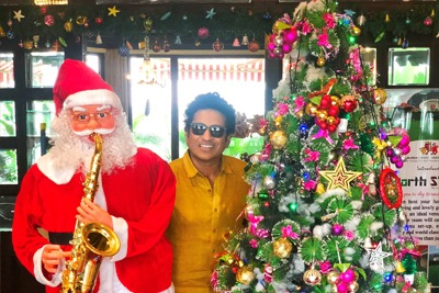 Cricketers around the world celebrate Christmas 1