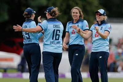 England Women defeat Pakistan Women in 2nd ODI 4