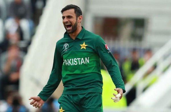 Shoaib Malik joins Pakistan squad against England