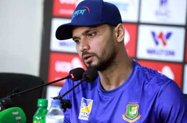Mashrafe Mortaza to step down captaincy