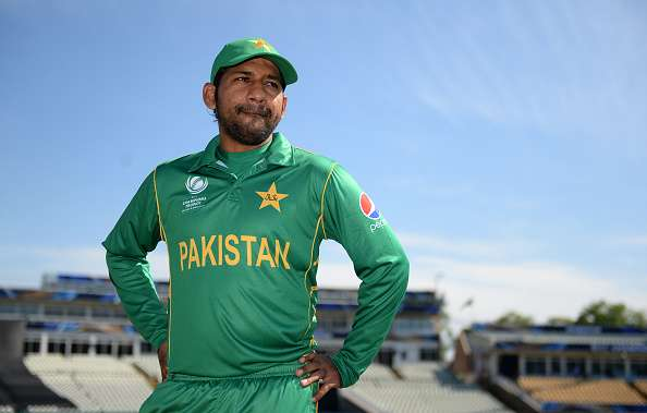 Sarfaraz Ahmed to auction his CT17 bat for COVID-19 funds