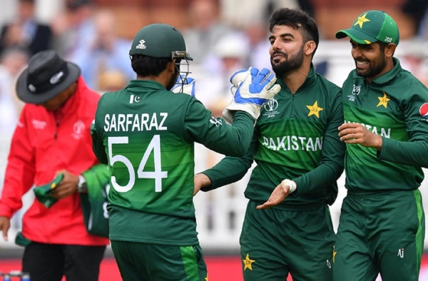 Shadab Khan is born a leader: Mickey Arthur