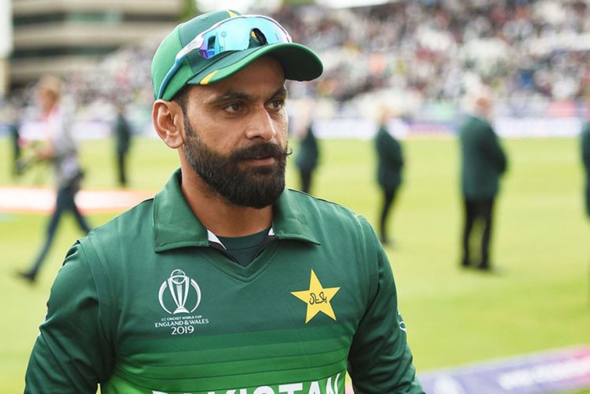 Later, after Hafeez personally conducted a test and came negative, this raised a lot of questions for the public, and the CEO of the Pakistan Cricket Board (PCB) has lashed out at him.