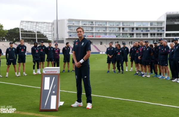 Stuart Broad awarded silver stump for reaching 300 test wickets. Image: England Cricket