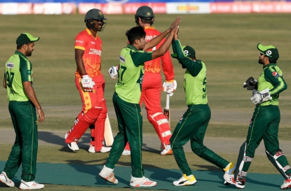 Pakistan whitewash Zimbabwe in a three-match T20I series