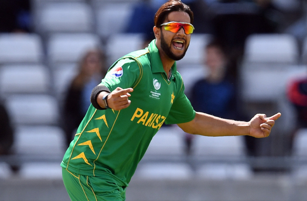 Melbourne Renegades offer Imad Wasim to play BBL 2020-21