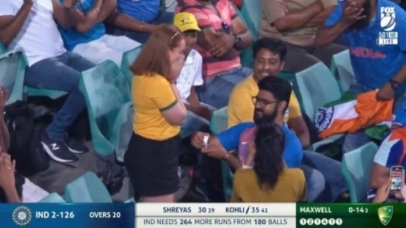Watch hilarious memes: Indian fan proposes Australian girl during Ind vs Aus match