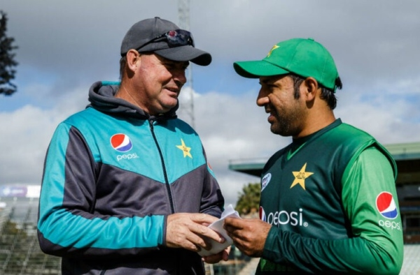 Mickey Arthur lauds Sarfaraz Ahmed for his leadership skills